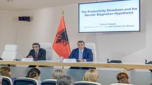 Nën kujdesin e Guvernatorit Sejko, z. Pagano mban prezantim në ambientet e Bankës së Shqipërisë, 18 shtator 2018